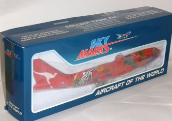 B 747-400 QANTAS Wuanala Dreaming Skymarks Collectors Model Scale 1:200 EJ